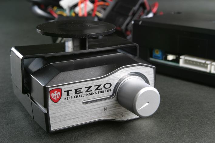 画像1: TEZZOスロットルコントローラー (for Jeep Cherokee)《15.08.07更新》 (1)