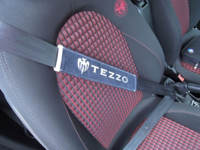 画像1: TEZZO 本革シートベルトパッド(アルカンタグ付き) for MiTo  《15.11.03 更新》 (1)