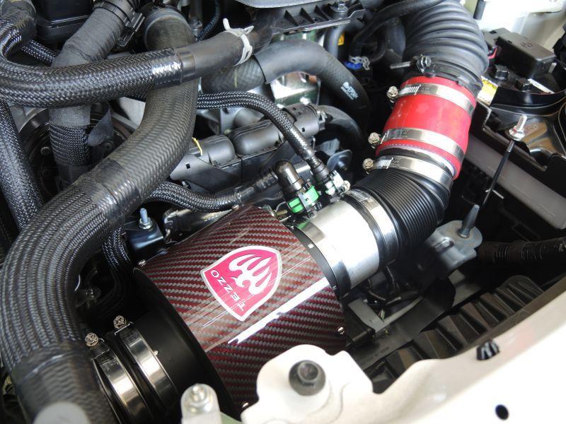 画像1: TEZZO カーボンエアインテークシステム for アバルト124スパイダー スペシャルレッドver.2 (1)